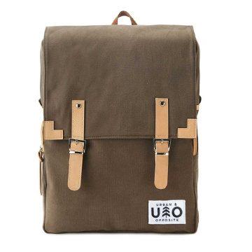 Ryggsäck i modell Markant. Barkfärgad canvas. Detta är en handgjord och vegansk ryggsäck.