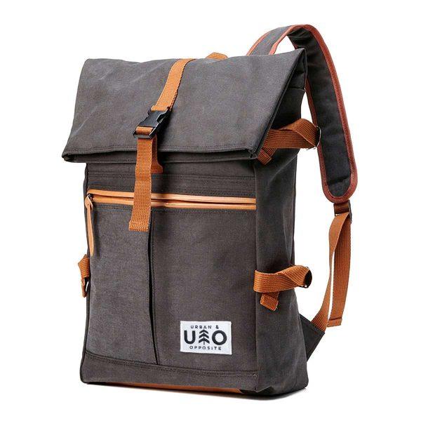 Ryggsäck i modell Vig. Mörk grå-svart canvas. Detta är en handgjord och vegansk ryggsäck.