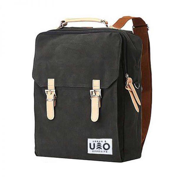 Ryggsäck i modell Kvadrat. Asfaltfärgad canvas. Detta är en handgjord och vegansk ryggsäck.
